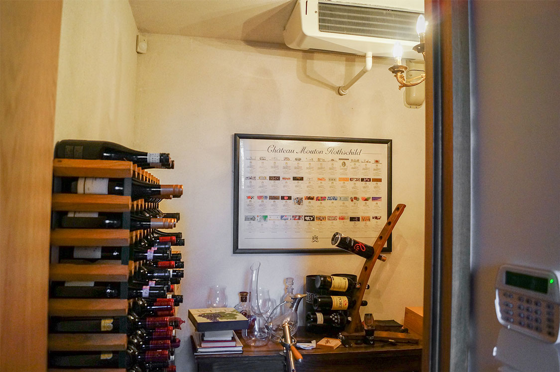 Wine gallery Chris Shultz 1 web F